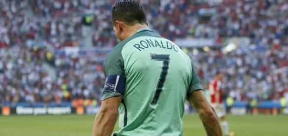 Hungary 3-3 Portugal: Cristiano Ronaldo scores twice to send ... - dailymail.co.uk
