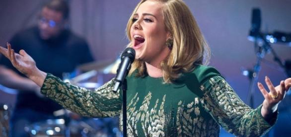 Adele se apresentará no Brasil em abril de 2017