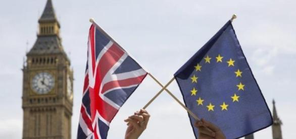 "Brexit-ul prin ochii unui cuplu romano-britanic. Ea: ""Primul efect ... - hotnews.ro"