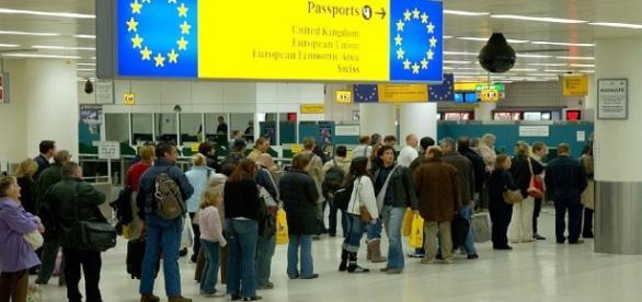 Britanicii nu văd paiul din ochiul românilor din cauza bărnei din ochiul lor
