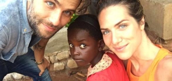 Bruno Gagliasso e Giovanna Ewbank trazem filha adotiva para o Brasil