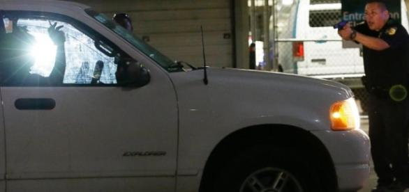Suspect ID'd in Dallas Ambush Shooting That Killed 5 Cops - ABC News - go.com