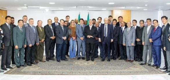 Temer recebe comitiva de 33 pastores no Palácio do Planalto