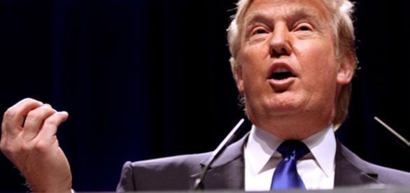 Trump faz elogios a Saddam Hussein e é duramente criticado pelos Democratas