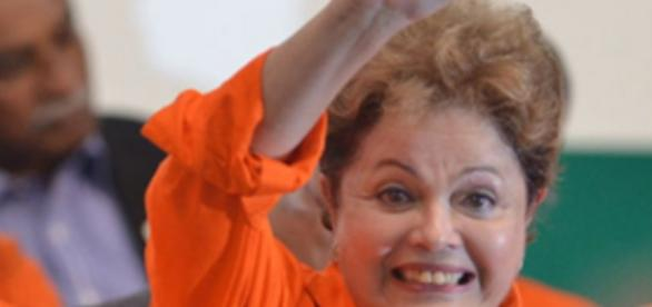 Dilma Rousseff dá tchau em evento da Petrobrás