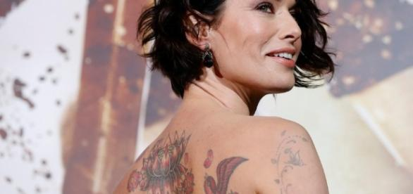 Lena Headey, que interpreta Cersei Lannister, tem o corpo tatuado