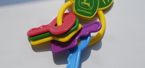 Produtos químicos perigosos podem estar na composição de brinquedos.