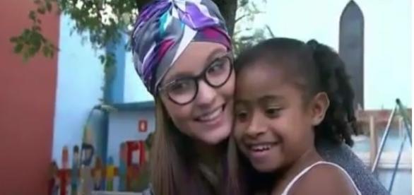 Larissa Manoela realiza sonho de Yasmin