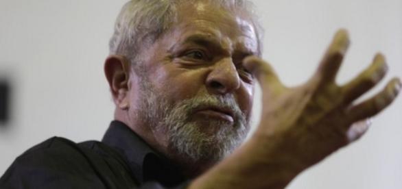 Lula faz discurso com bastante fúria - Imagem/Internet