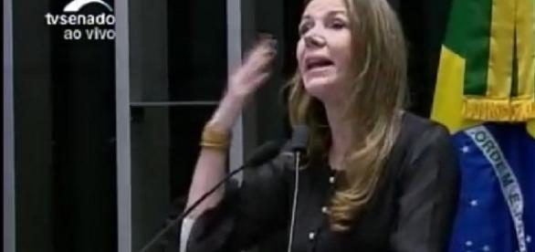 Comunista perdeu a linha durante sessão do Senado