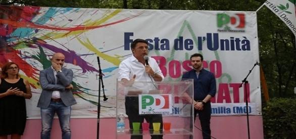 Il presidente del Consiglio, Matteo Renzi, partecipa alla Festa dell'Unità di Bosco Albergati (Modena)