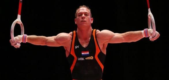 Yuri Van Gelder disputaria a final nas argolas no domingo, 14
