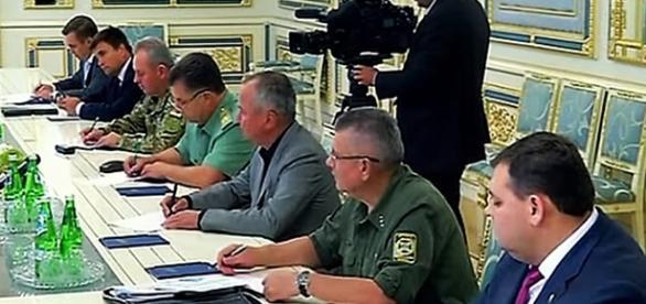 Alerta de combate de las tropas de Ucrania en la frontera con Crimea YouTube