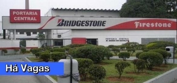 Empresa com sede em Santo André oferece vagas em diversas áreas