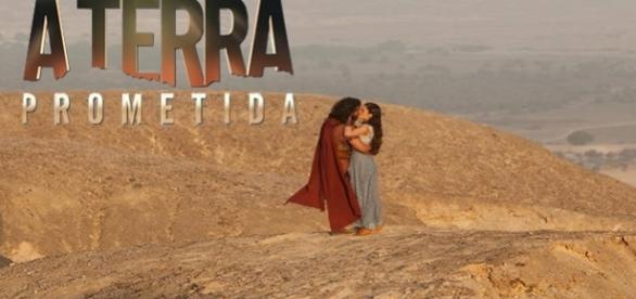 Josué e Aruna se beijam pela primeira vez no deserto