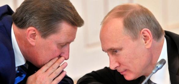 Putin e Sergei Ivanov avevano grandi legami dal passato alla Kgb, Oggi Ivanov viene dimissionato dal suo ruolo di potente capo staff.