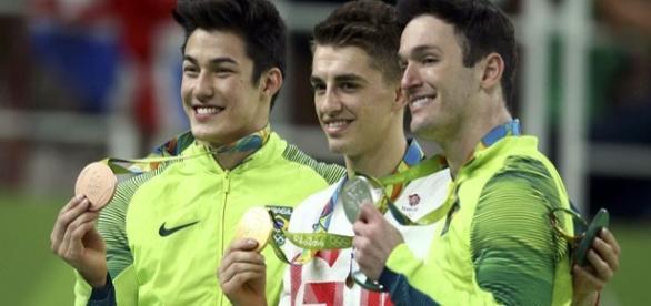 Diego Hypolito e Arthur Nory são medalhistas olímpicos