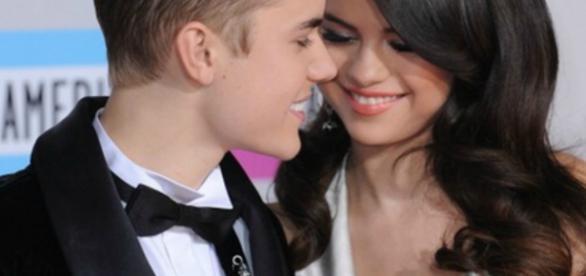 Justin Bieber quando namorava Selena Gomez