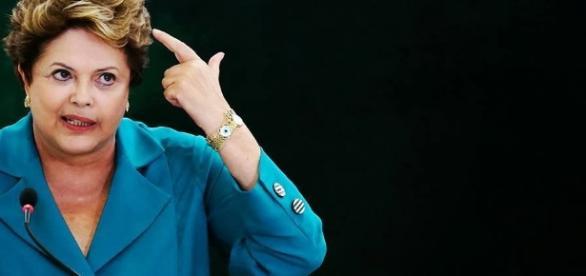 """Presidente afastada, Dilma Rousseff, pretende fazer como Getúlio ao escrever """"carta para a história"""""""