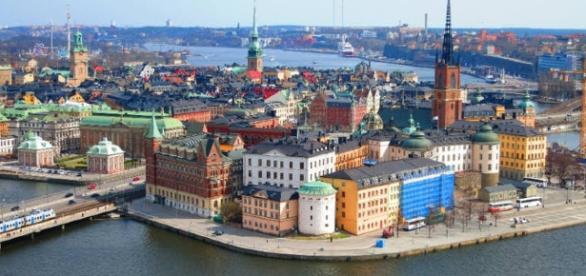 Estocolmo, capital da Suécia, um país onde as leis de trânsito são obedecidas por todos