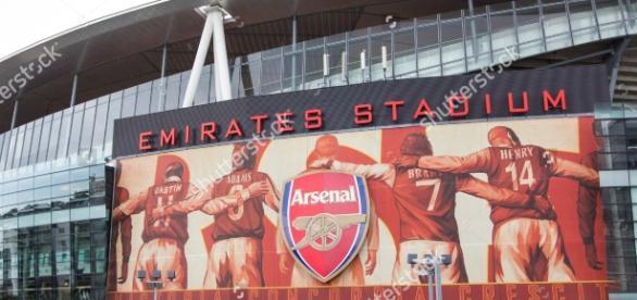 http://image.shutterstock.com/z/stock-photo-arsenal-football-club-london-uk-arsenal-football-club-jul-visit-to-arsenal-football-club-306890003.jpg