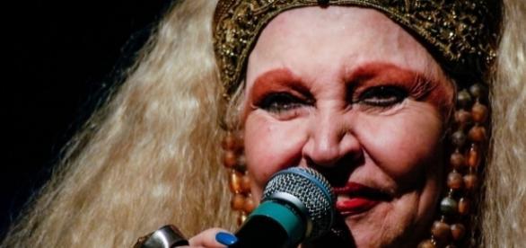 Morre, no Rio, a atriz Elke Maravilha