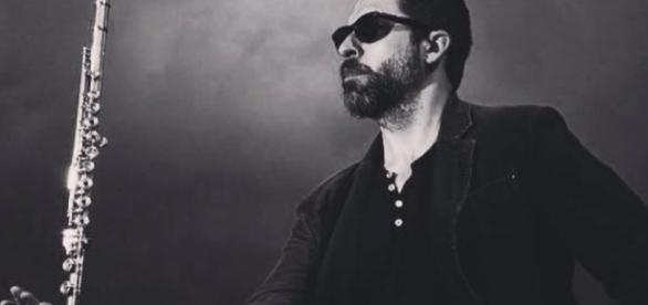 01/02/16 The Mars Volta Saxophonist & Flautist Adrian Terrazas ... - entertalkradio.com