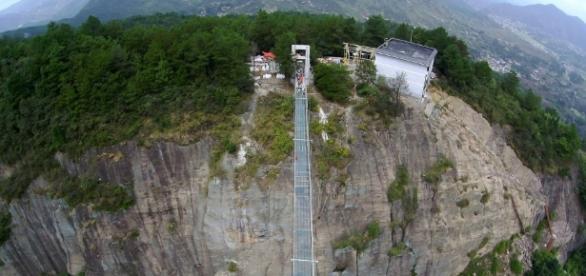 A ponte conta com uma estrutura inusitada e uma paisagem deslumbrante
