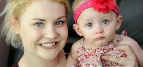 Bethanie, feliz com a filha Evelie