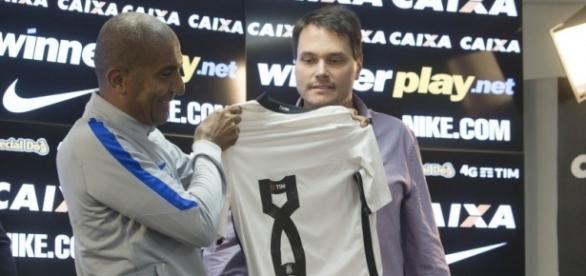 Cúpula alvinegra quer a saída de Cristóvão Borges do Corinthians