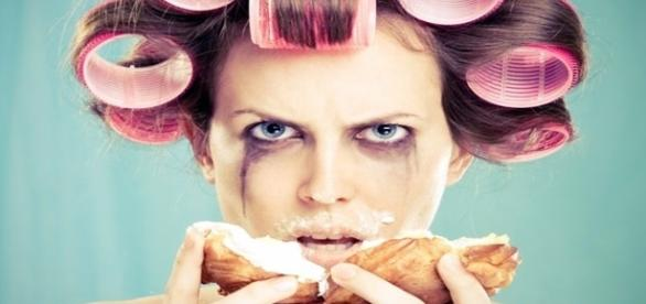 Entenda porque a mulher tem variados tipos de comportamento durante o período pré-menstrual.
