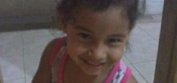 Menina de 5 anos é morta por causa de vingança contra a mãe