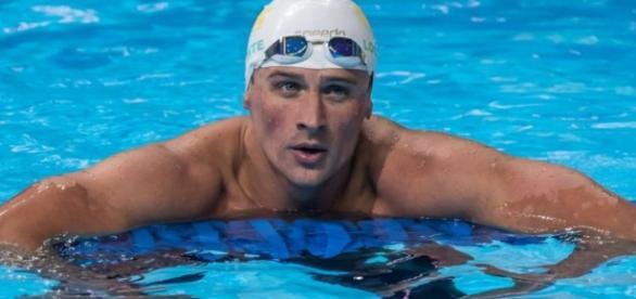 Nadador mente sobre assalto e vira 'foragido'