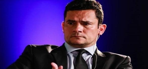 O juiz federal não cede à ofensiva dos advogados de Lula