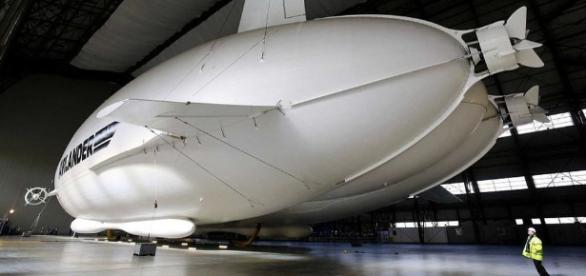 Así es el dirigible 'Airlander 10', la mayor aeronave ... - prensa.com