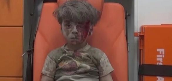 Băiatul din ambulanță care a uimit o lume întreagă