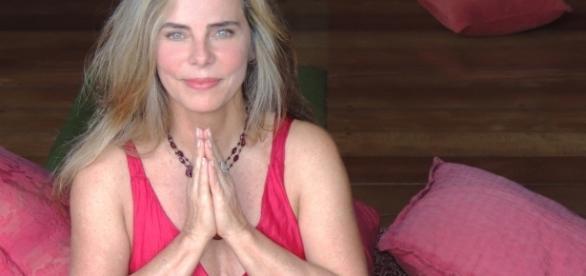 Sempre zen, Bruna Lombardi conta que vive em harmonia (Crédito da Foto: Divulgação)