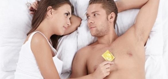 Camisinha é necessária até no sexo oral
