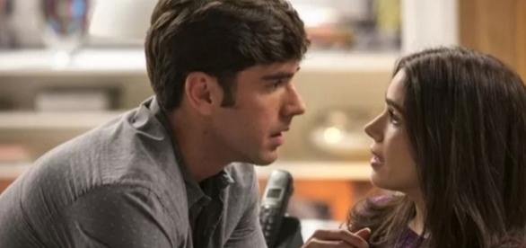 Relação de Felipe e Shirlei é abalada com volta de Vitória