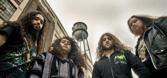 Dave Mustaine causa danos no seio dos Havok.