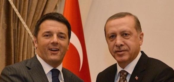 Il botta e risposta tra Renzi ed Erdogan