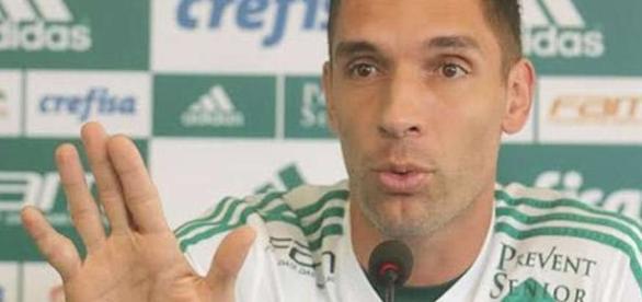 Lesionado na seleção, Fernando Prass deve render lucro ao Palmeiras
