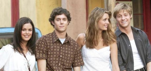 O casal Summer Breeze e Seth Cohen foi apaixonante do inicio ao fim. - bustle.com