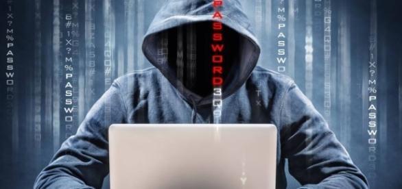 Edward Snowden revela que governo americano foi atacado por hackers