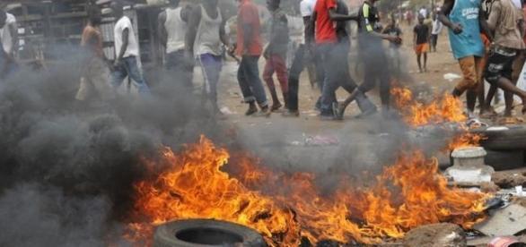 Image d'émeutes populaires en Afrique