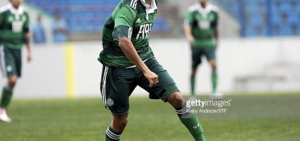 Luan, atacante do Palmeiras, vai jogar no Atlético-PR