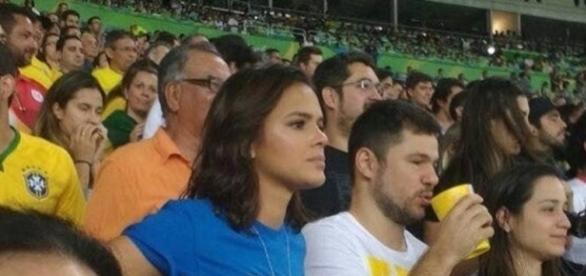 Bruna Marquezine assiste jogo do ex-namorado Neymar no Maracanã - metropoles.com