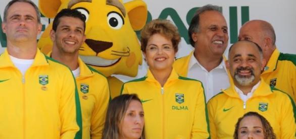 Dilma na apresentação do mascote da Time Brasil (Foto: Carlos Magno/ GERJ)