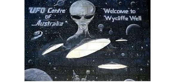 Wyciffe Well, Australia Photo: oztreasure....-weebly.com