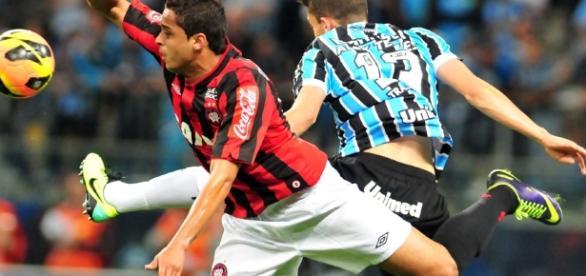 Atlético-PR x Grêmio: assista ao jogo ao vivo na TV e na internet.